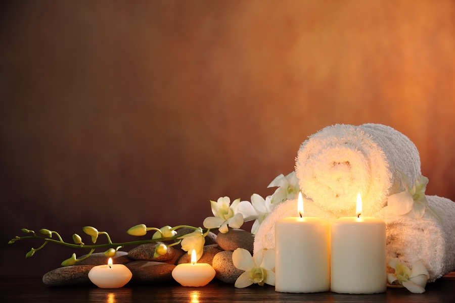 wellness-candles-stones-flowers-spa